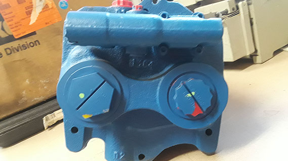 EATON VARIABLE DISPLACEMENT HYDRAULIC AXIAL PISTON PUMP PVE19AR